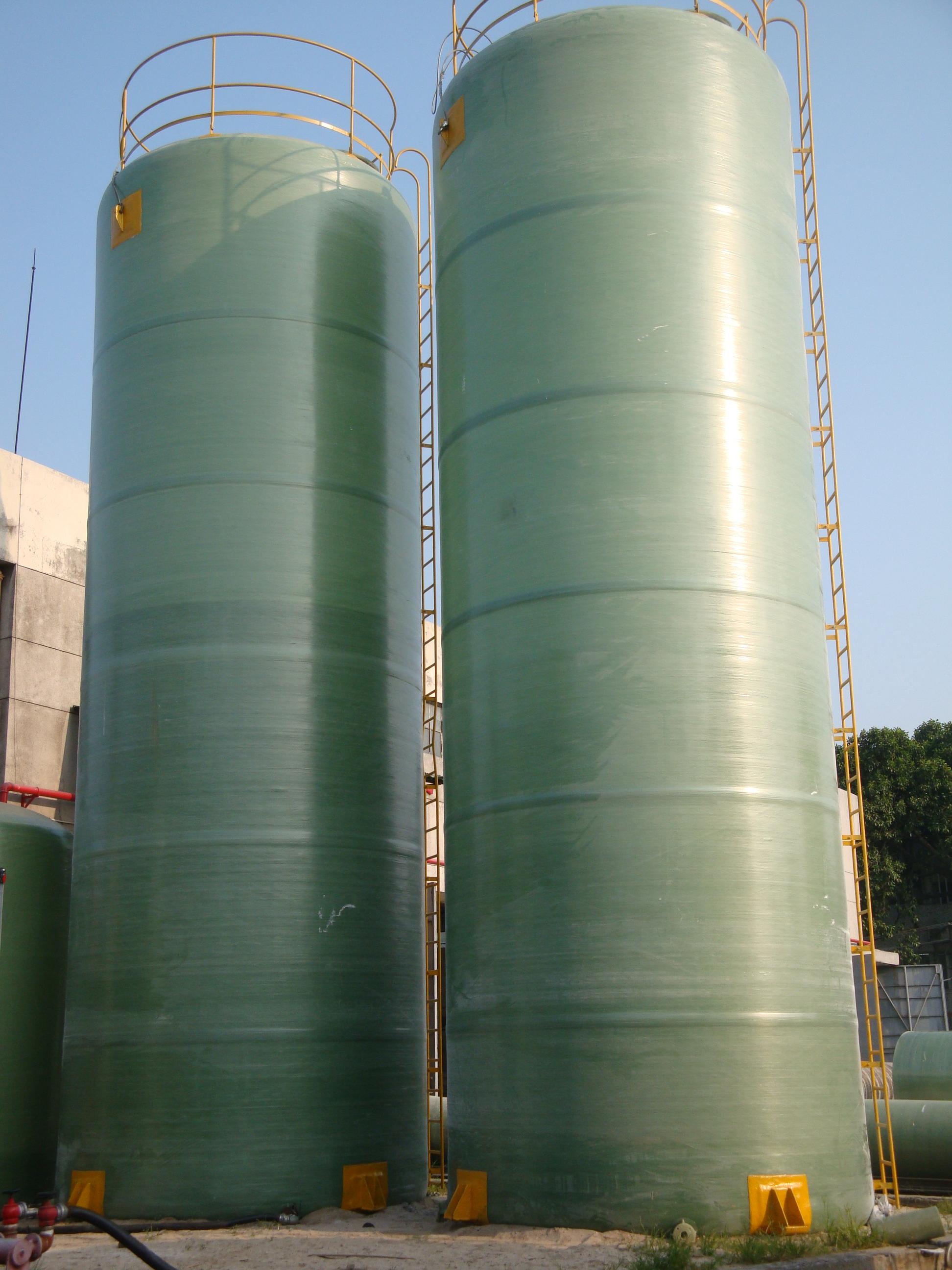{广东玻璃钢盐酸罐}广州欣鑫水处理批量选用固肽玻璃钢盐酸罐