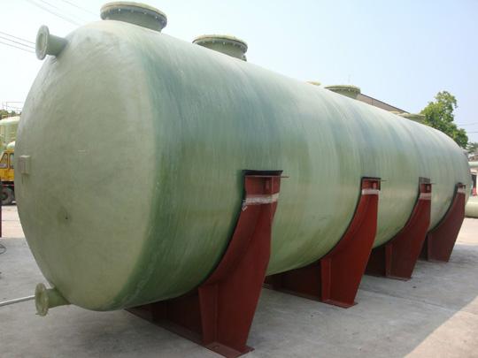 【玻璃钢酸碱罐】深圳中月环保科技玻璃钢盐酸储罐顺利交付